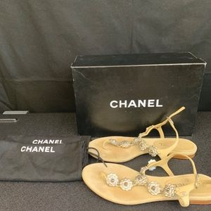 CHANEL Leather Sandal w/ Flowers Beige Claire